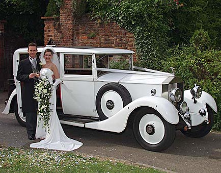 Wedding  Decorations on Wedding Car Decorations And Luxury Car